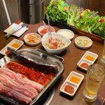 【新大久保】人数分オーダーでおかずと野菜は食べ放題。「くるむサンパ店」でサムギョプサルの会。